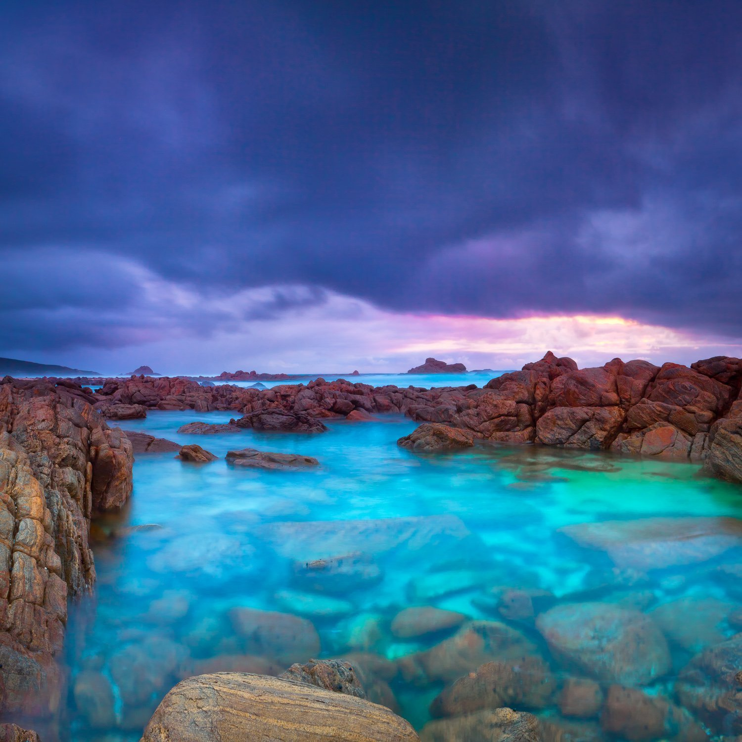Clear-Rock-Pool_Windmills_Cape-Naturaliste_South-West_WA_Colour