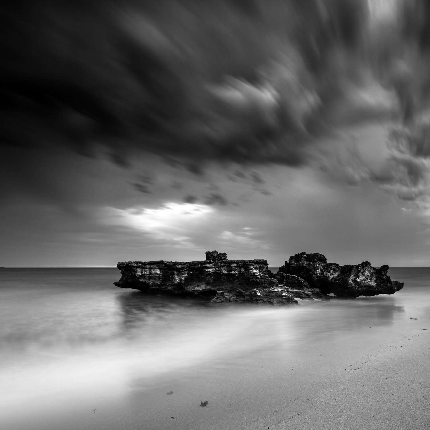 Dispersing_North-Trigg-Beach_Trigg_Perth_WA_Black and White