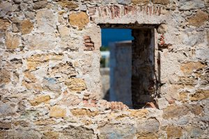 Old_City_Wall_Window_Antibes_French_Riviera_Provence_Alpes_Côte-dAzur_South_France_Colour