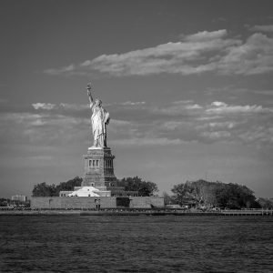 Statue_of_Liberty_New_York_USA_Black_and_White